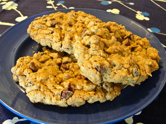 Delicious chocolate chip chai oatmeal raisin cookies!