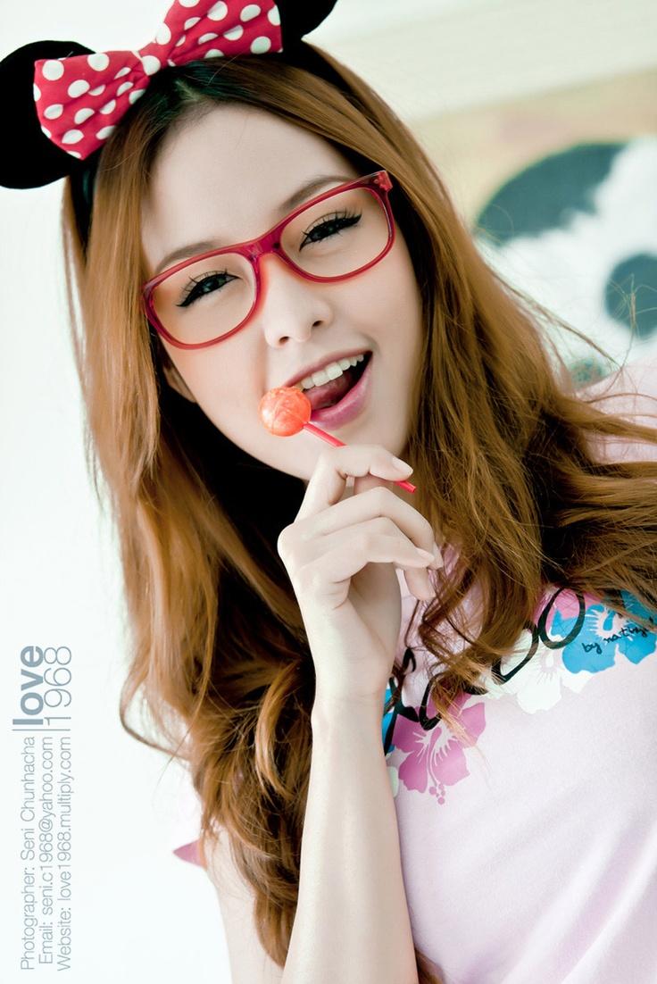 cute girl glasses wallpaper - photo #35