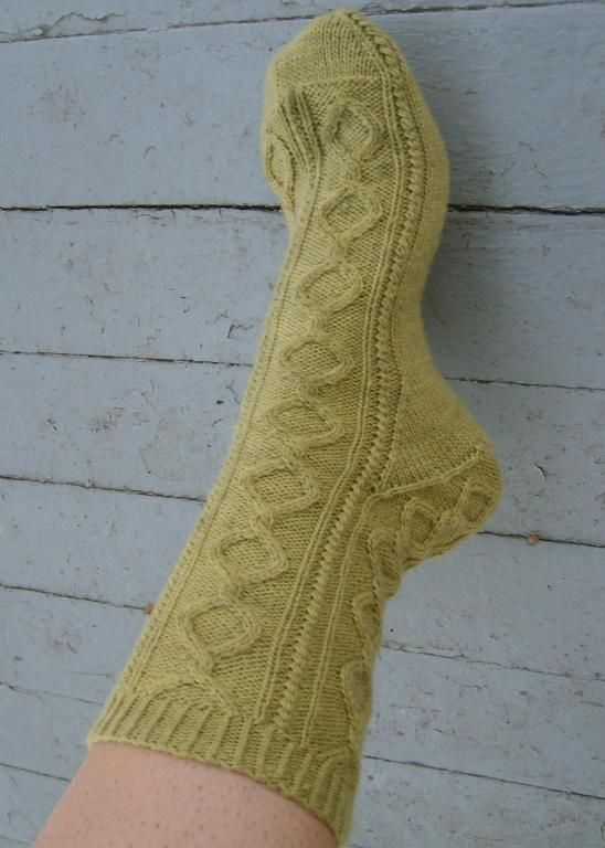 Free knitting pattern: Cirque socks Craft Ideas Pinterest