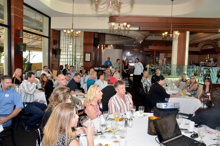 Blue moon fish company hosts the lauderdale by the sea for Blue moon fish company fort lauderdale