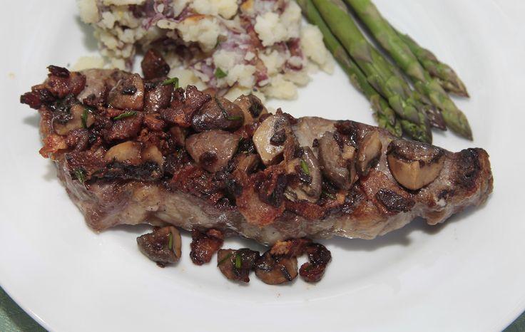 Steak with Seared Mushrooms and Red Wine Vinaigrette | Recipe