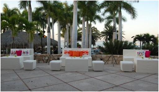 Como decorar un bar lounge outdoors rinconcitos - Como decorar un bar ...