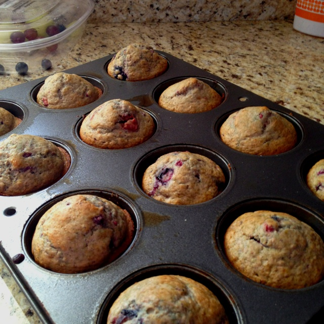 Whole wheat mixed berry muffins | Foodilicious! | Pinterest