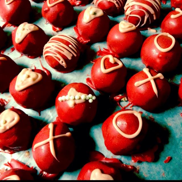 Valentines Day cake balls | Baking | Pinterest