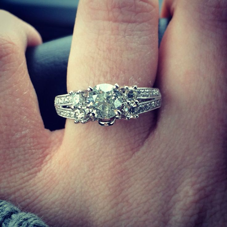 e carrot diamond ring with double band ICE ICE BABY