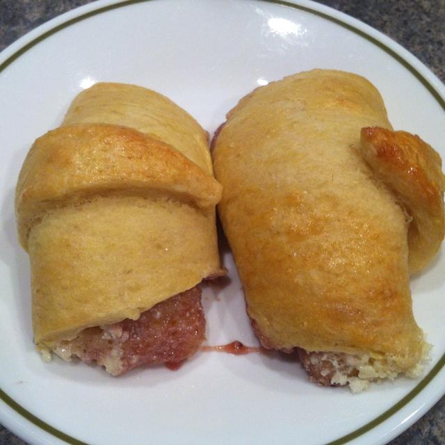 Strawberry cream cheese breakfast croissant - 1 package of Pillsbury ...