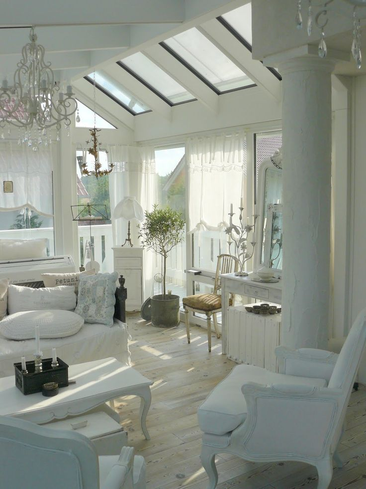 beautiful shabby chic sunroom black white love that pinterest. Black Bedroom Furniture Sets. Home Design Ideas
