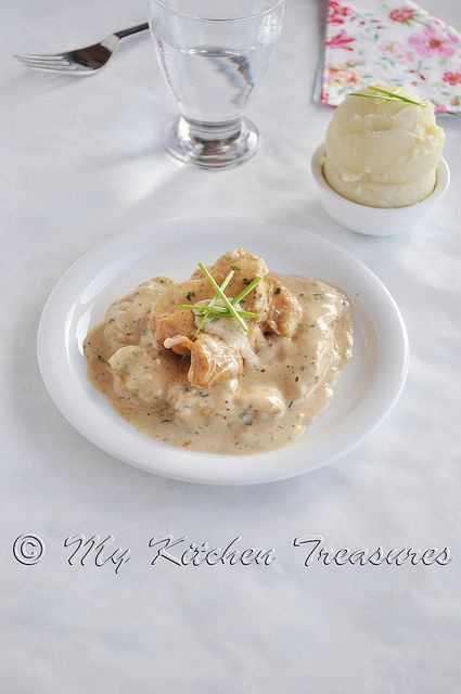 Creamy Chicken Marsala SERVED AS FILLET ON TOP OF POTATOES & DONT ...