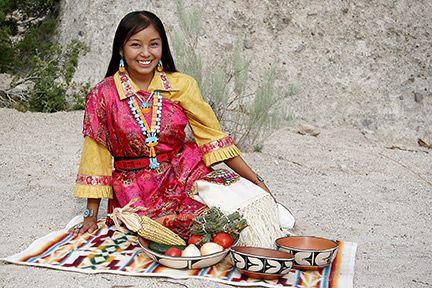 santo domingo pueblo women Ricardo caté of santo domingo pueblo will feature his newest work an honoring of pueblo women (santo domingo) title art through struggle exhibit: ricardo.