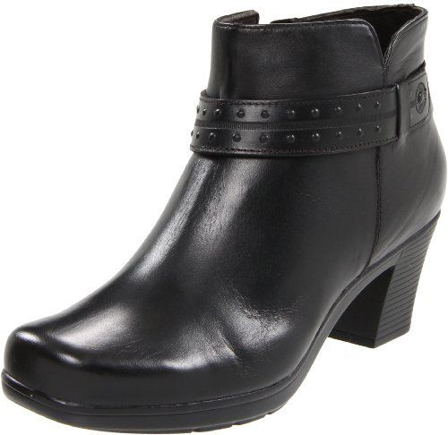 Clarks Women's Dream Belle Boot leather Manmade sole Shaft measures
