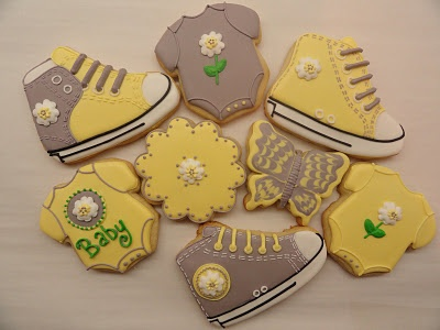 Converse Baby Shoes #timelesstreasure.theaspenshops.com