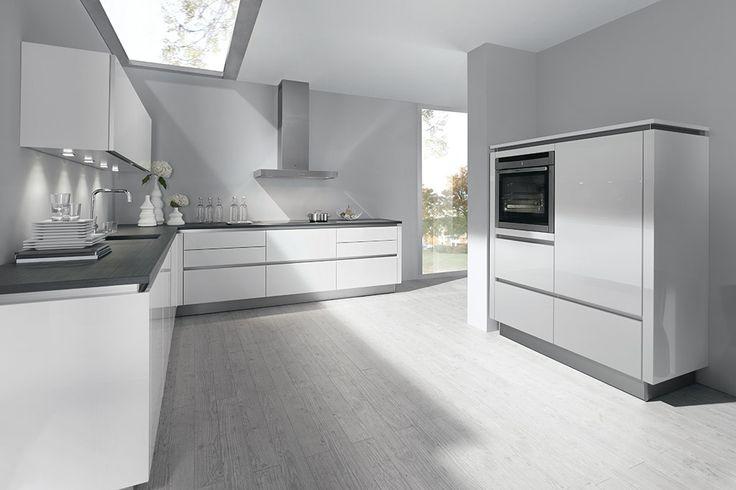 ... Saffier keuken in het briljantwit hoogglans  ONZE KEUKENS  Pinterest