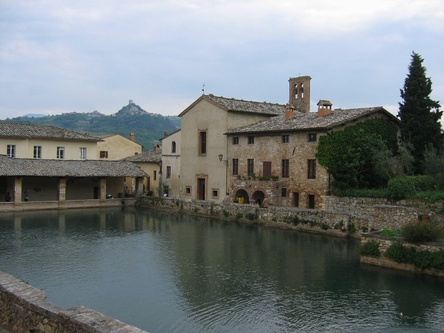 bagno vignoni  Bell'Italia  Pinterest