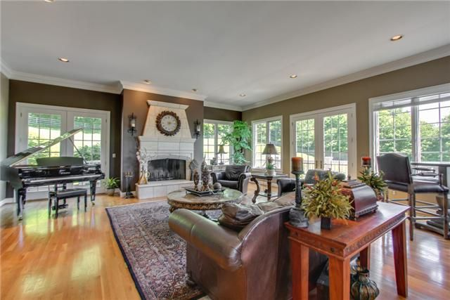 Decorating Ideas For Family Room
