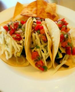 CuisineNie: Grilled Portobello Mushrooms and Zucchini tacos