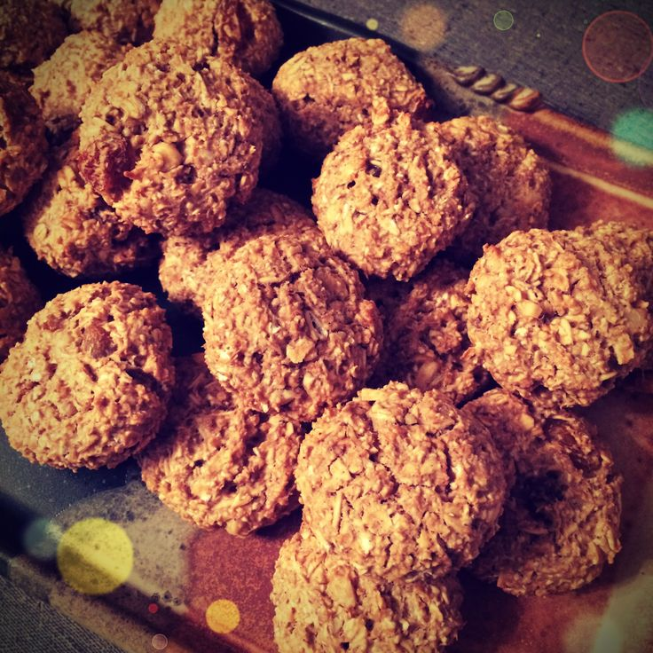 cinnamon oatmeal golden raisin walnut cookies, only 40 calories a ...