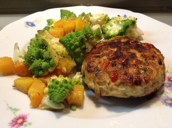 Apple, basil and chicken burgers! | Food For Thought | Pinterest