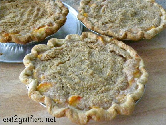 Peach crumble pie | Recipes to Try | Pinterest