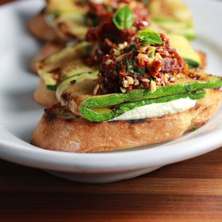 Grilled Zucchini Crostini with Sun Dried Tomatoes and Goat Cheese ...