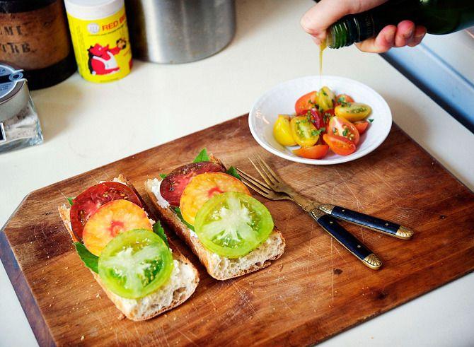 heirloom tomato sandwiches. | Morning glory | Pinterest
