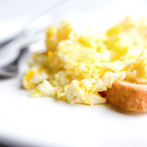 Quick Tip: Fluff Up Your Scrambled Eggs With an Immersion Blender ...