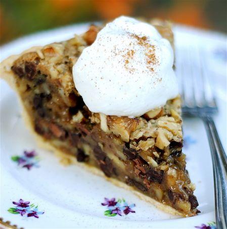 Chocolate Chip Walnut Bliss Pie | r e c i p e s ♨ d e s s e r t s ...