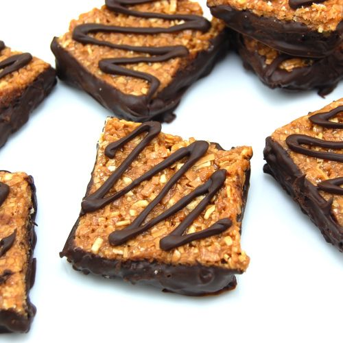 Samoas Cookie Bars…Buttery shortbread crust smothered in caramel and ...