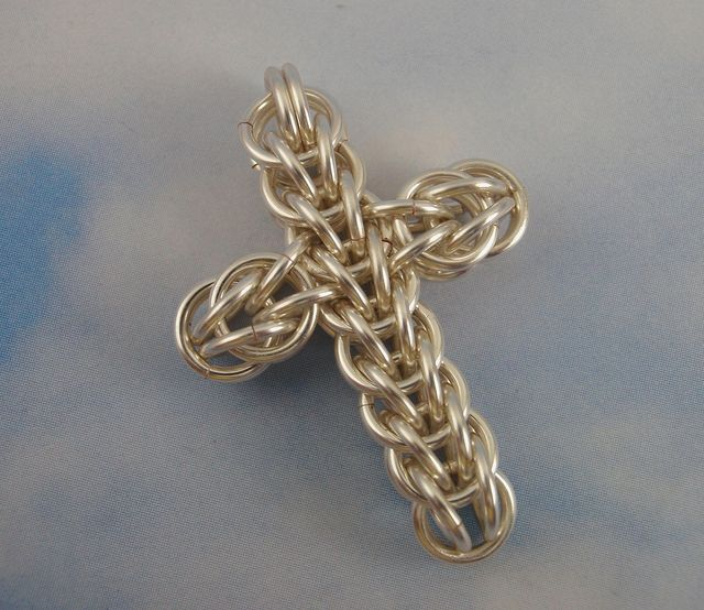 Chainmaille Cross Tutorial