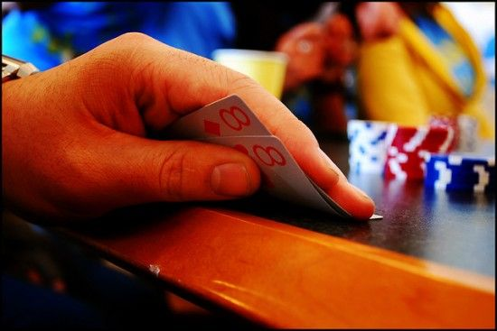 how to play pocket pairs in poker