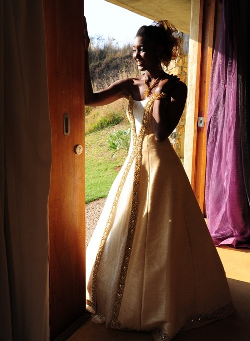 Traditional south african wedding dress traditional for Nigerian traditional wedding dresses pictures