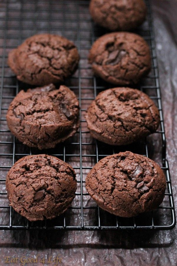 Gluten Free Double Chocolate Chunk Cookies from Eat Good 4 Life + 50 Gluten Free Christmas Cookie Recipes