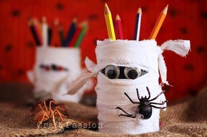 kid friendly halloween decorations make it for the kids pinterest. Black Bedroom Furniture Sets. Home Design Ideas