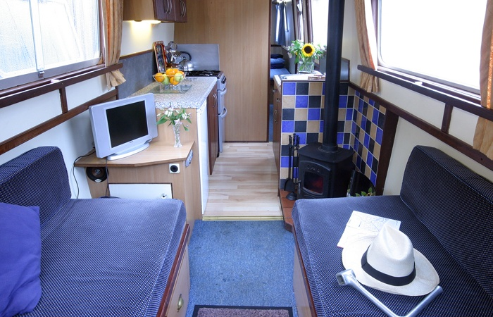 Another Cool Boat Interior Houseboat Pinterest
