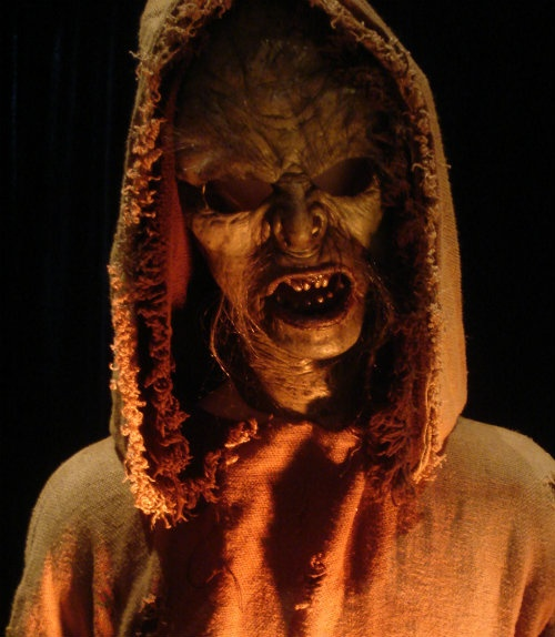 From the scare zone #halloween http://hallowmix.com