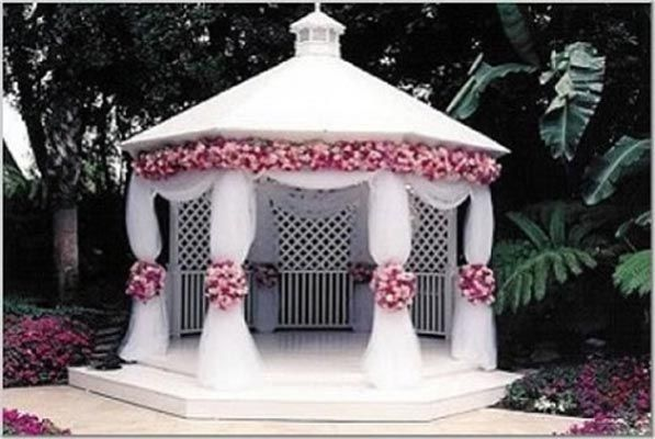 Small wedding gazebo bing images garden ceremony decor for Small wedding decoration ideas