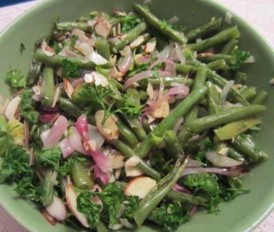 Roasted Green Beans with Shallots, Garlic and Almonds - just roast in ...
