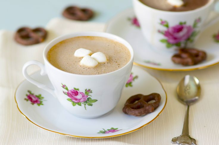 hot chocolate with a maple syrup   decor   chocolate   Pinterest