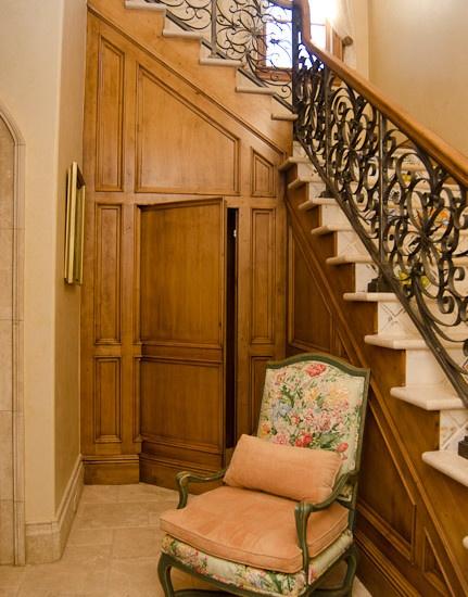 Secret door under the stairs chaiselounge 1 pinterest for Door under stairs