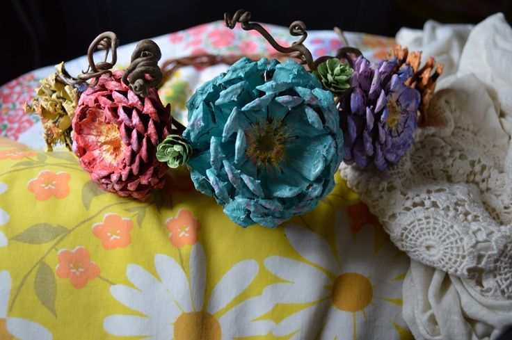 Pinecone flowers crafts pinterest flower - Diy Pine Cone Flower Crown Projects To Try Pinterest