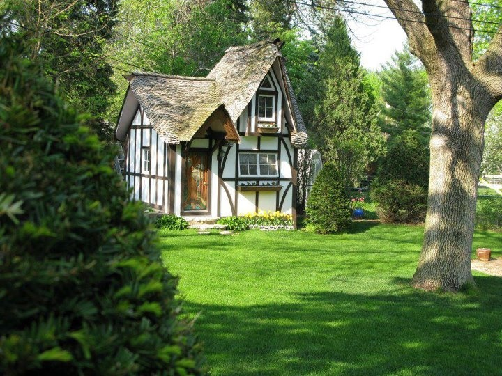 Dream english tudor cottage 16 photo house plans 81126 for English tudor cottage