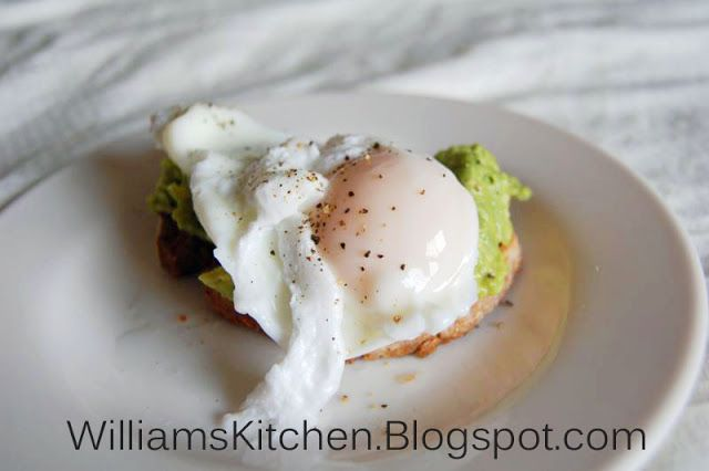 Egg & Avocado on Toast - Healthy and delicious Whole Foods breakfast. Quick to make and a great way to start the day.