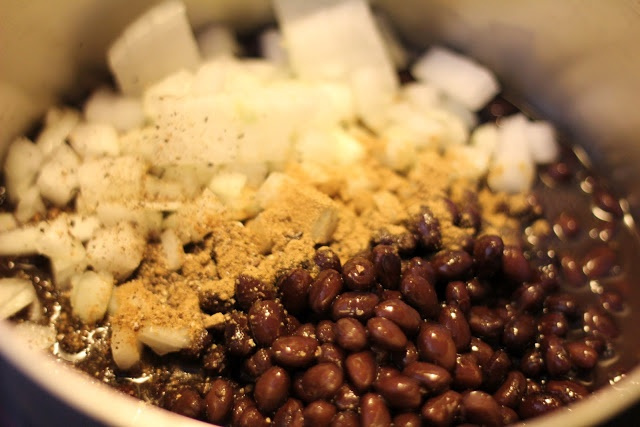 Refried Black Beans | get in me belly | Pinterest