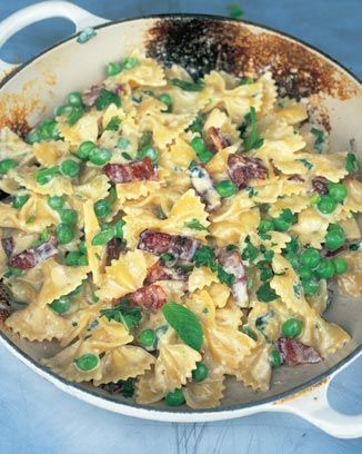 Jamie Oliver Farfelle with carbonara and spring peas