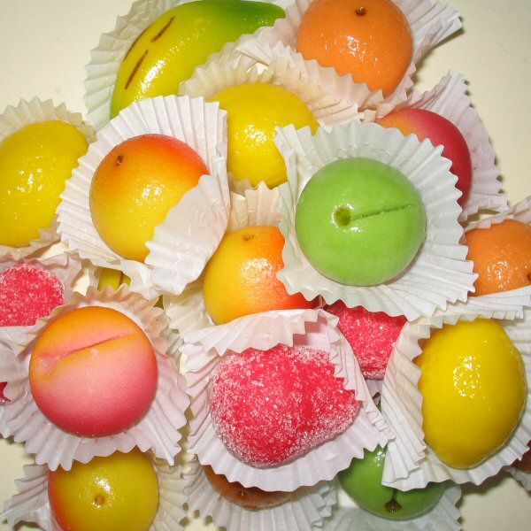 Marzipan reminds me of Christmas and Easter at Nonna and Nonno's ...