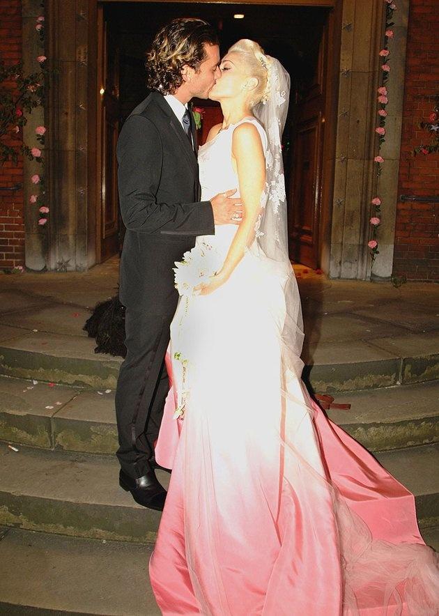 Famous Wedding Dress S London : Gwen stefani s wedding dress famous weddings gowns