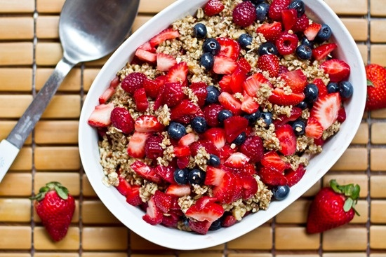 raw berry crisp | to eat | Pinterest