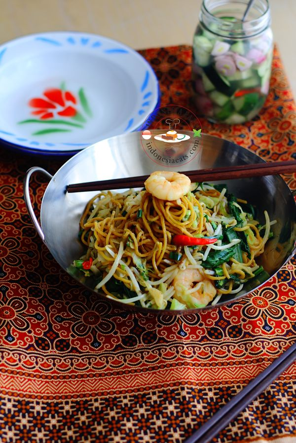 """Mie Goreng """"Mie goreng is another safe favorite of Indonesian one-dish ..."""