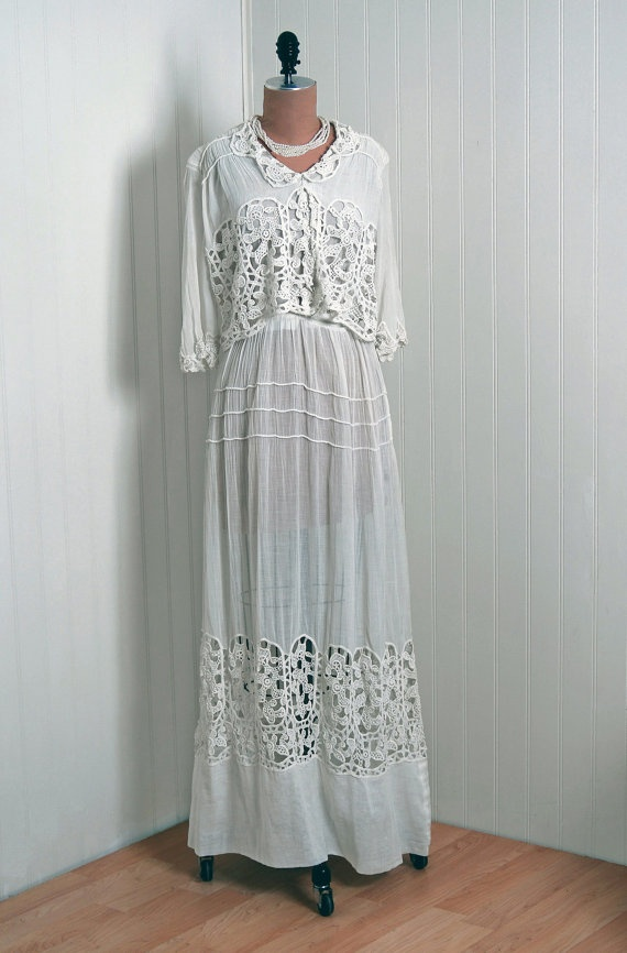 Dress on mannequin 50th anniversary ideas pinterest for Dresses for 50th wedding anniversary party