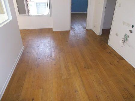 Oak parquet  hand-made carved   פרקטים בחולון מעץ אלון מגולף ביד  יורם פרקט טל: 050-9911998 http://www.2all.co.il/web/Sites1/yoram-parquet/PAGE5.asp