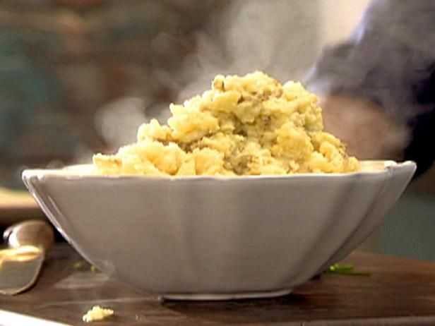 Horseradish and Sour Cream Mashed Potatoes | Recipe